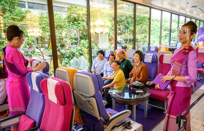 Tayland Hava Yolları, Uçaktaki Yemeklerin Servis Edildiği Bir Restoran Açtı
