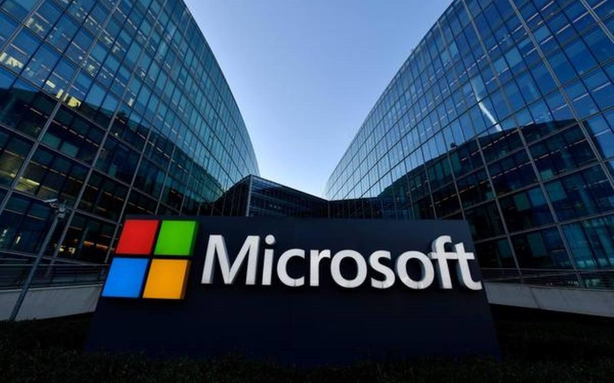 Microsoft, Çalışanların Kalıcı Olarak Evden Çalışmalarına İzin Verdi