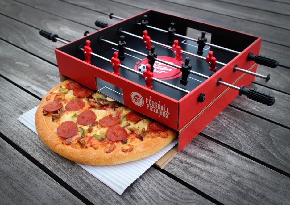 Pizza Hut'tan Kapağında Langırt Masası Bulunan Pizza Kutuları