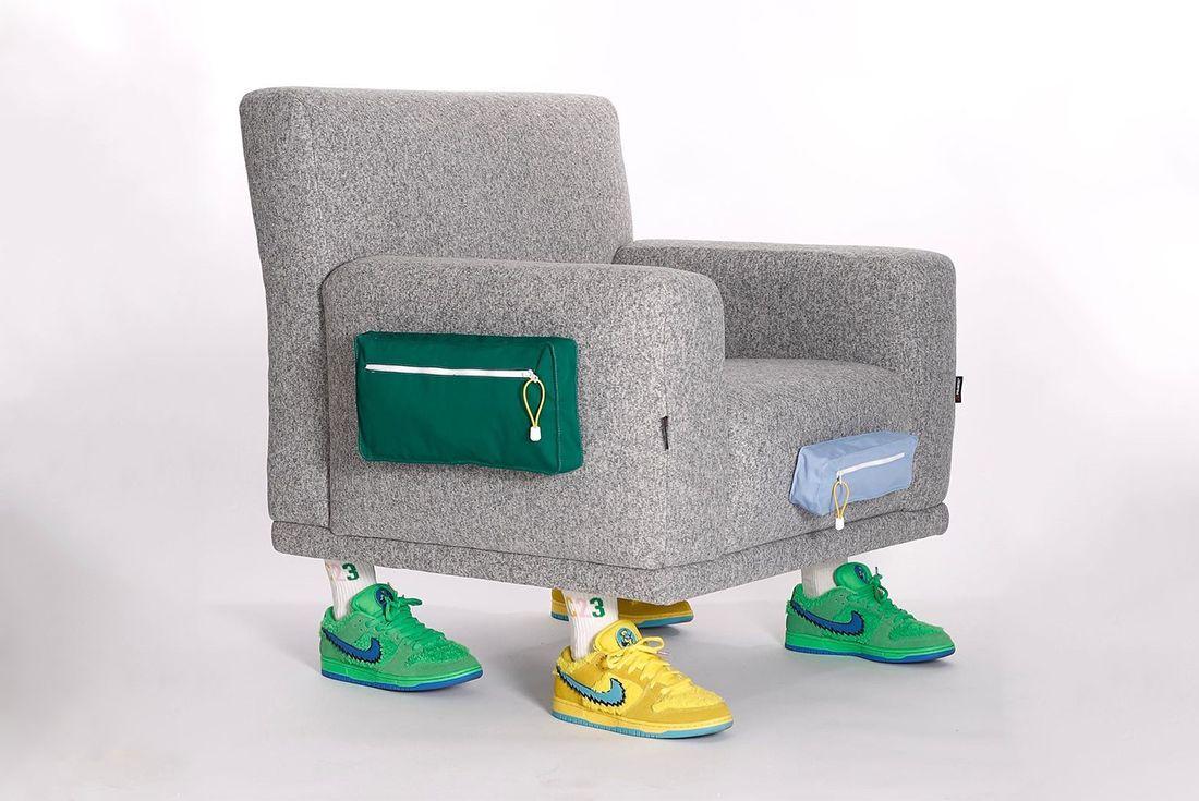 LC23'ten Spor Ayakkabı Giyen Koltuklar