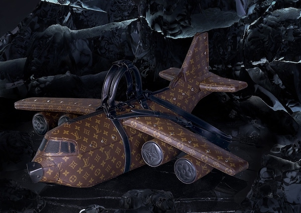 Louis Vuitton'ın Uçaktan Daha Pahalı Olan Uçak Tasarımlı Çantası