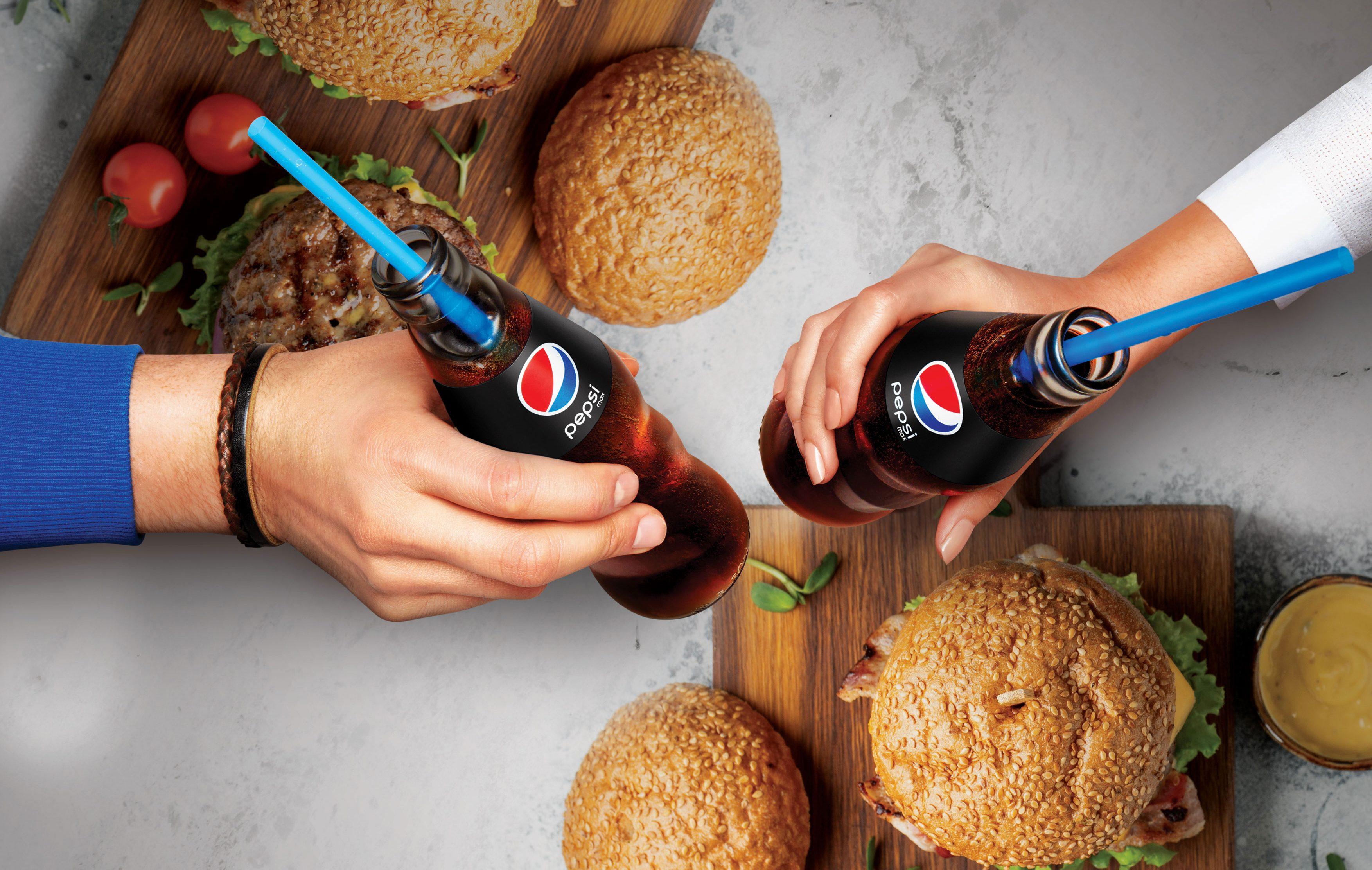 Pepsi'nin ödüllü cam şişesi tüketicilerle buluştu