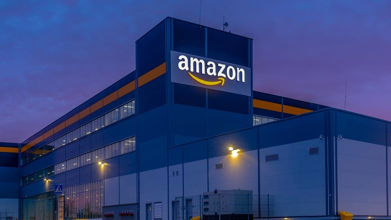 Amazon, aşı yaptıran çalışanları için piyango dağıtacağını duyurdu