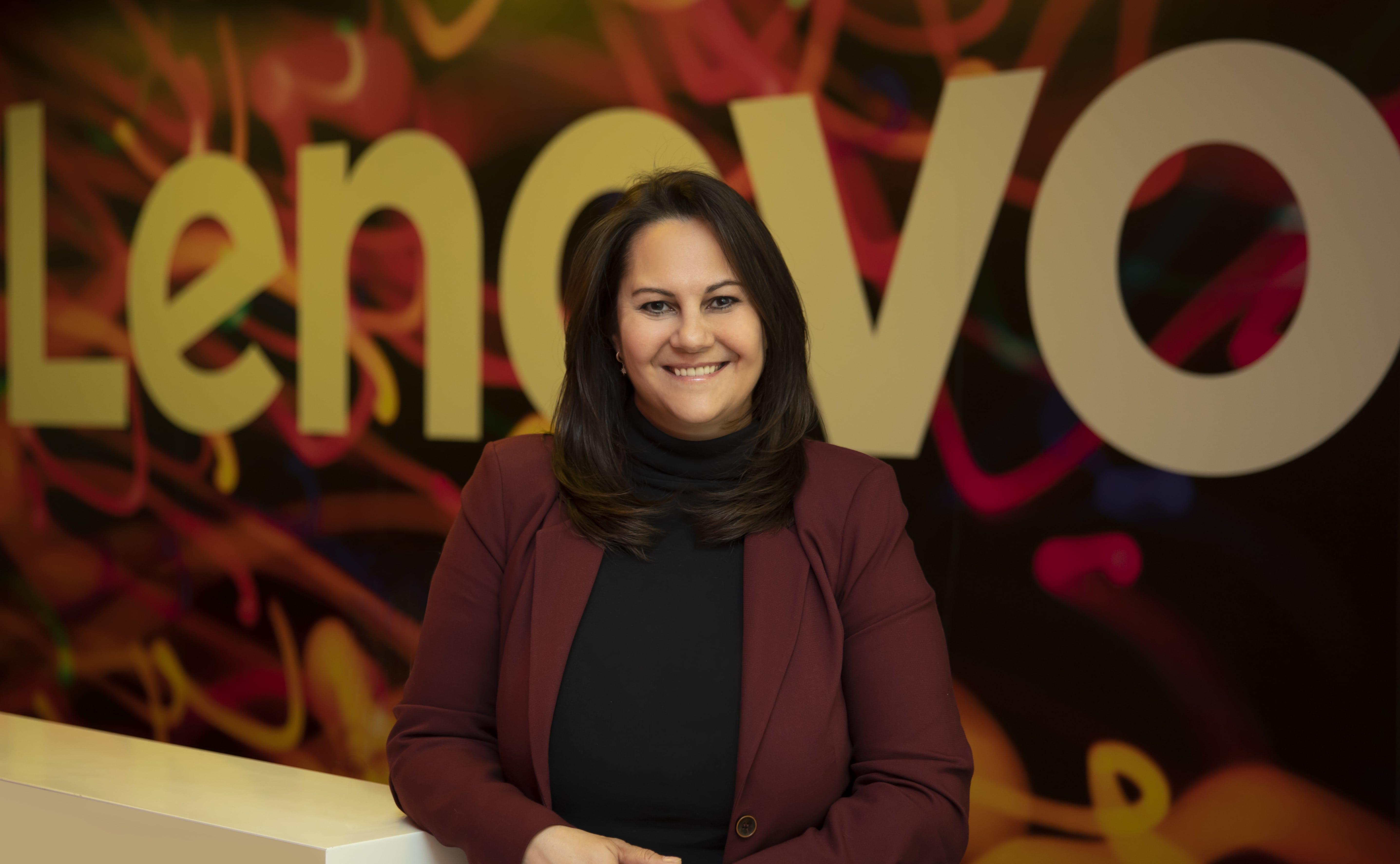 """Lenovo Türkiye Pazarlama ve İletişimden Sorumlu Genel Müdür YardımcısıBanu Soyak: """"Başarılı olmanın yolu teknolojiye ayak uydurmak"""""""